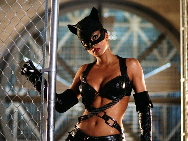 Catwoman Writer Admits That It Was a 'Shit' Movie