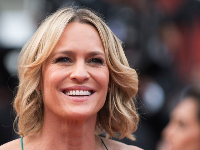 Robin Wright on Kevin Spacey: 'I Don't Know Her'
