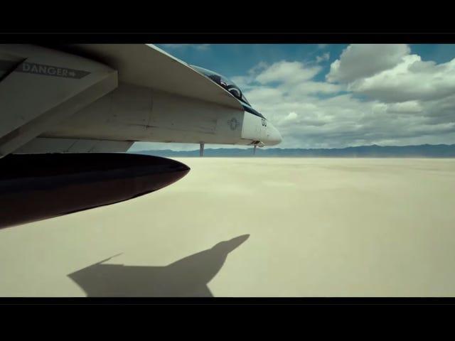 Top Gun: Maverick está aquí con más acciones planas de las que creías posibles