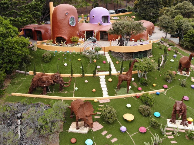 A Wealthy San Francisco Suburb Has Sued a Woman Over Her Adorable Flintstones-Inspired Home