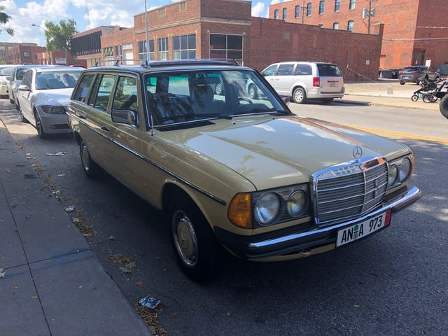 This may be the nicest W123 I've ever seen