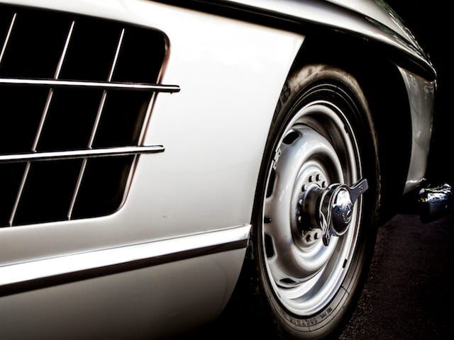 Your Ridiculously Awesome Mercedes-Benz 300SL Wallpaper Is Here