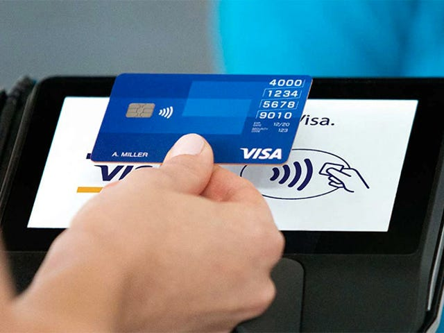 Japanese Clerk Allegedly Stole Over 1,300 Credit Cards By Instantly Memorizing All the Numbers