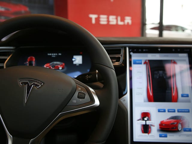 Tesla Autopilot Not Working After Latest Over-the-Air Update, Owners Say