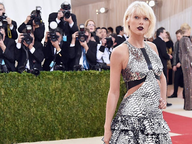 Taylor Swift Ends Brief Jury Duty Stint, Can't Be 'Impartial' in Rape Case