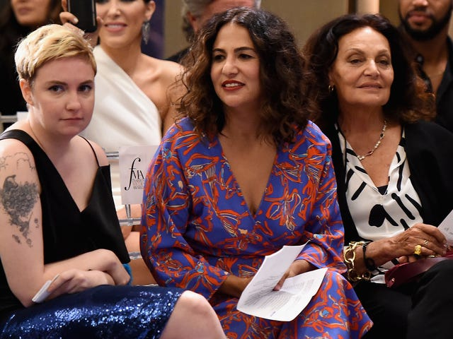 Lena Dunham Defends Her Writer From Rape Claim