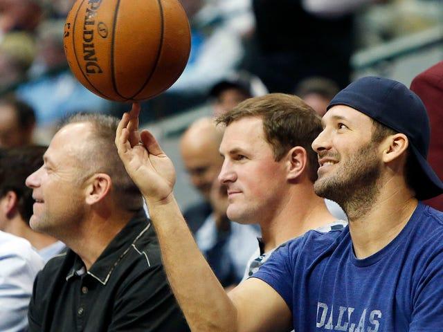 Tony Romo usará uniforme completo, pasará el juego en el banco por los Mavericks