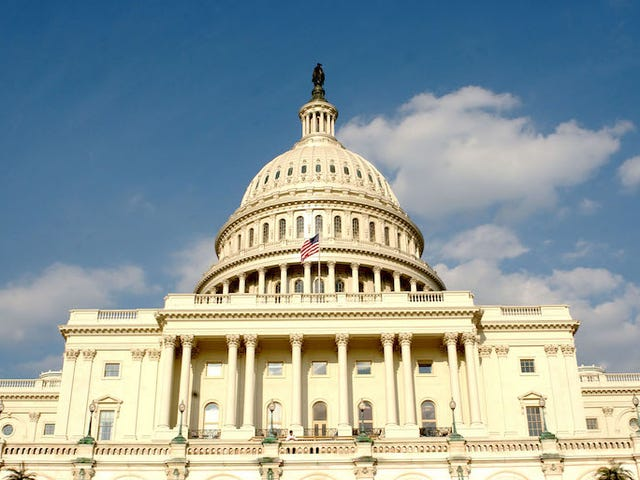 Il Congresso passa la spesa per mantenere le luci accese per un po 'più a lungo
