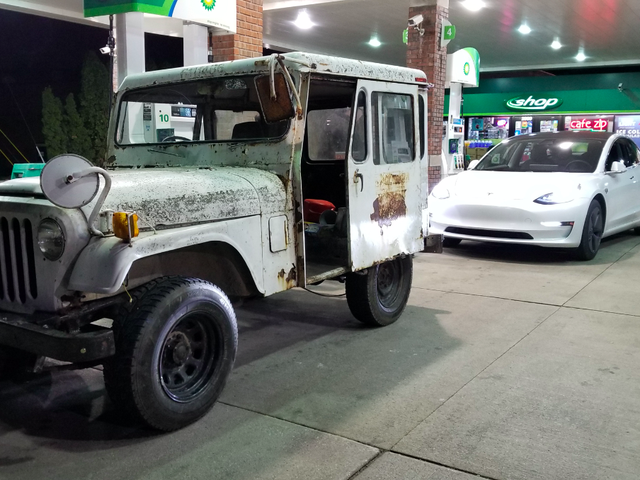 The Last-Minute Repair Frenzy That Saved My $500 Postal Jeep Project