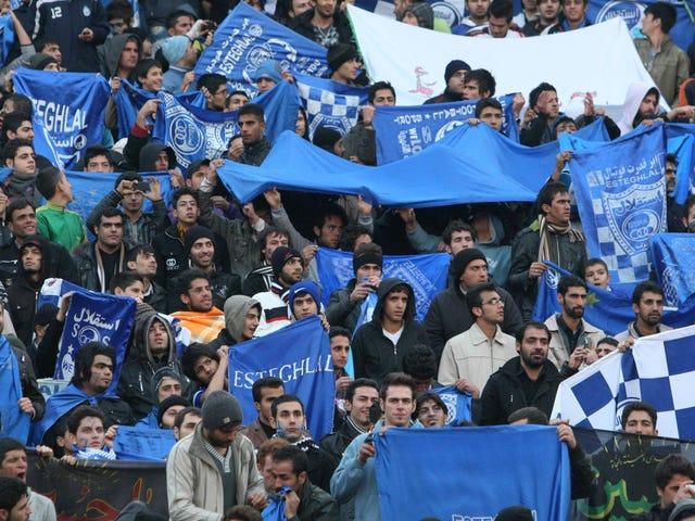 Wanita Iran Meninggal Karena Luka Bakar yang Diakibatkan Diri Setelah Penangkapan karena Menghadiri Pertandingan Sepak Bola