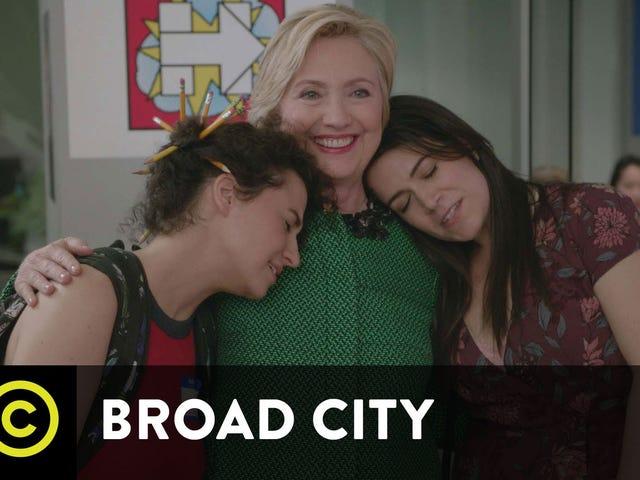 Abbi ja Ilana tapaavat Ultimate Yas -kirjansa <i>Broad City</i> Hillary Clintonin jaksossa