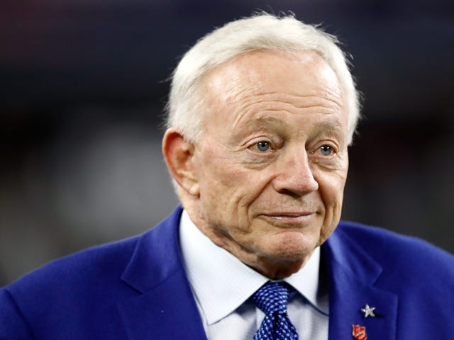 Jerry Jones Asserts His Right To Be A Dickweed About Ezekiel Elliott
