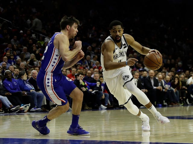 Spencer Dinwiddie canalise son intérieur Steph Curry, Torches The 76ers