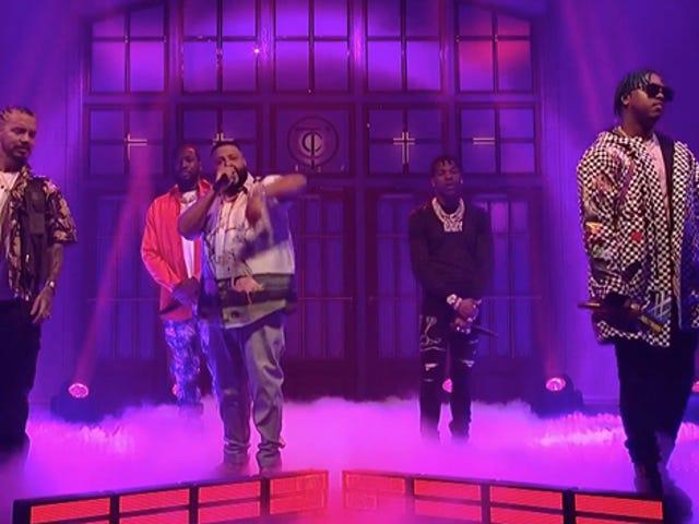 Bekijk: DJ Khaled Brings Out SZA, John Legend, Lil Wayne, Big Sean en meer voor <i>SNL</i> optredens