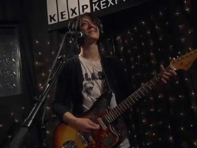 [กำลังทำลาย ... ] Sharon Van Etten - Tarifa (Live on KEXP)