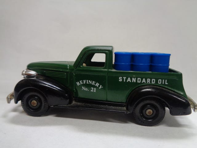 1939 CHEVY PICK UP BY LLEDO (CHEVRON PROMOTIONAL MODEL)