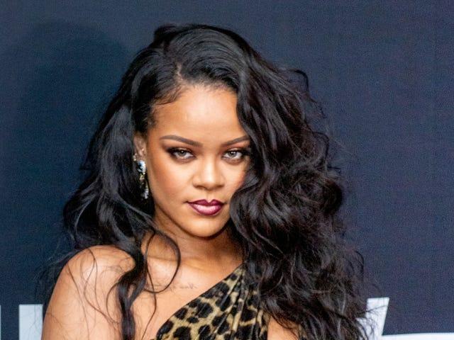 Rihanna puede hacer una reverencia como la primera mujer negra cuyo álbum pasó 200 semanas en la lista Billboard 200