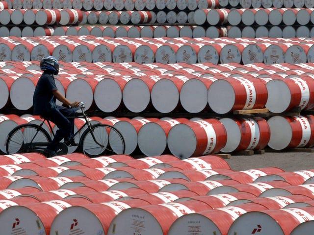 Petrol Şirketleri Denizde Kullanılmayan Ham Maddeleri Saklamak İçin Bir Servet Harcıyor