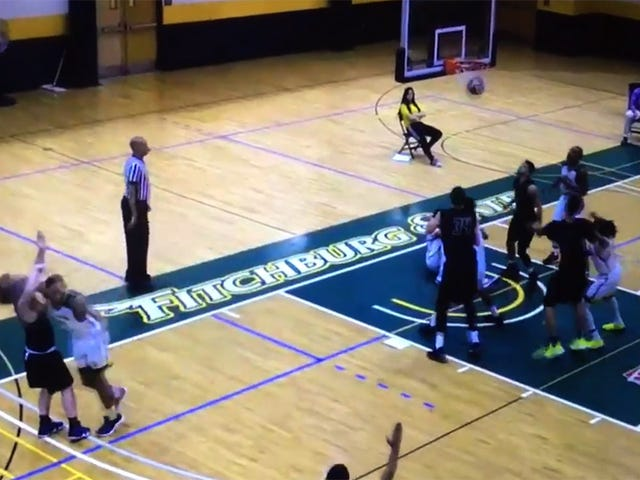 D-III Basketball Player Hits Opponent With Brutal Elbow Cheap Shot [Update]