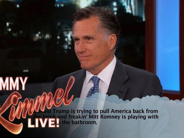 Mitt Romney, Nothing If Not Hip, sta leggendo Tweets su Kimmel