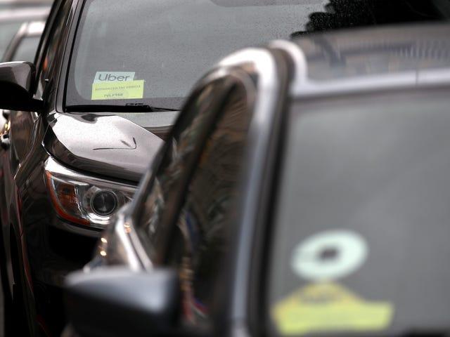 Une femme de Seattle dit avoir sauté hors de son déménagement après le harcèlement continu du conducteur