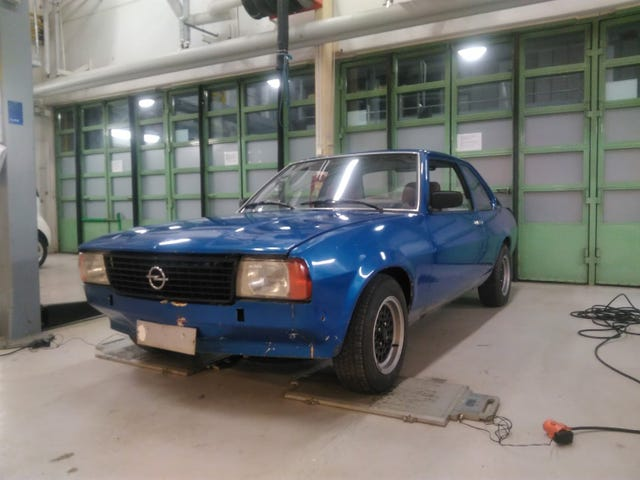 Empty mass for Opel Ascona B