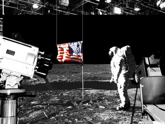 Cómo una broma se convirtió en la mayor y más absurda teoría de la conspiración: la llegada a la Luna fue mentira