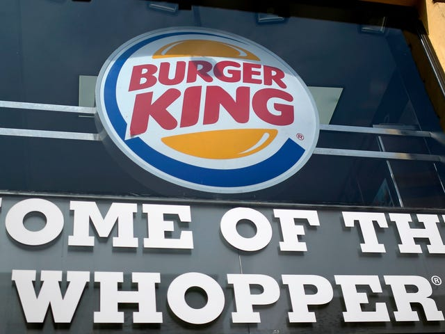 """Man sues Burger King for revoked """"free food for life"""" promise made after bathroom mishap [UPDATED]"""