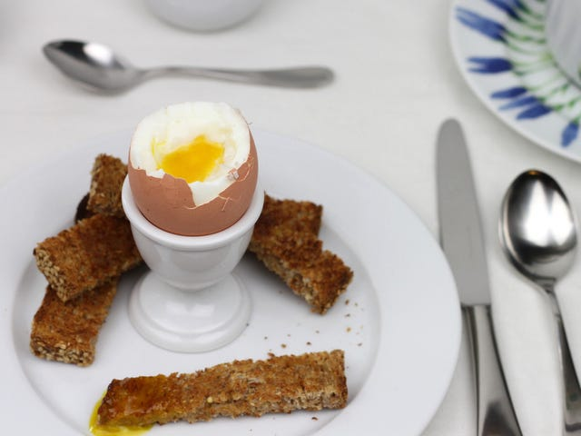 Since Americans Don't Use Egg Cups, Here's How to Eat a Soft-Boiled Egg Without One