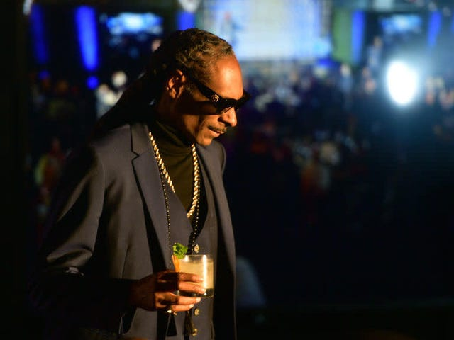 Snoop Dogg's Newborn Grandson Dies Just 10 Days After His Birth