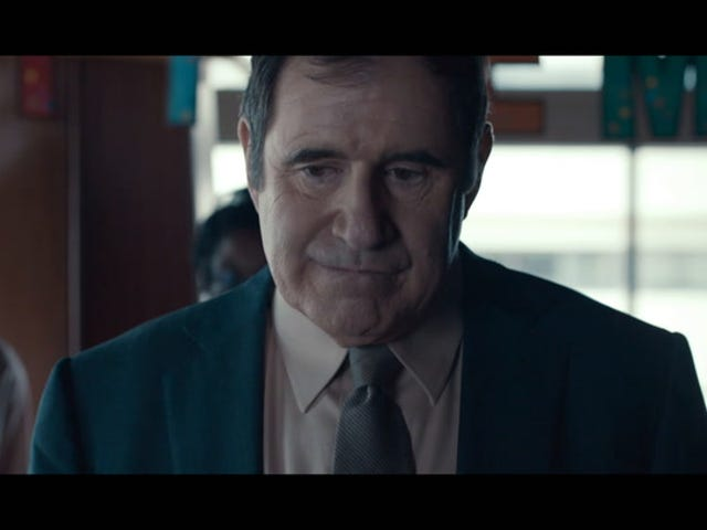 Watch the Trailer for Auggie, in Which Richard Kind Falls for Artificial Intelligence