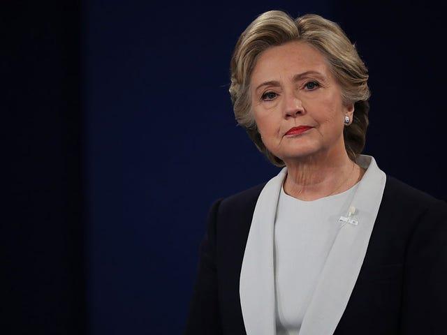 Ia adalah Masa untuk Pentadbiran Trump untuk Dapatkan Nama Hillary Clinton Daripada Mulut mereka
