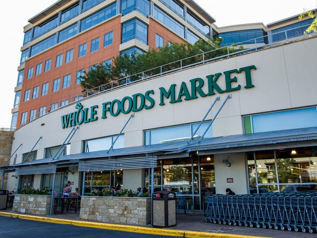 Amazon launches 30-minute grocery pickup at Whole Foods