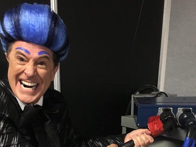Stephen Colbert kaappaa RNC-vaiheen, toimittaa anti-Trump Burnin