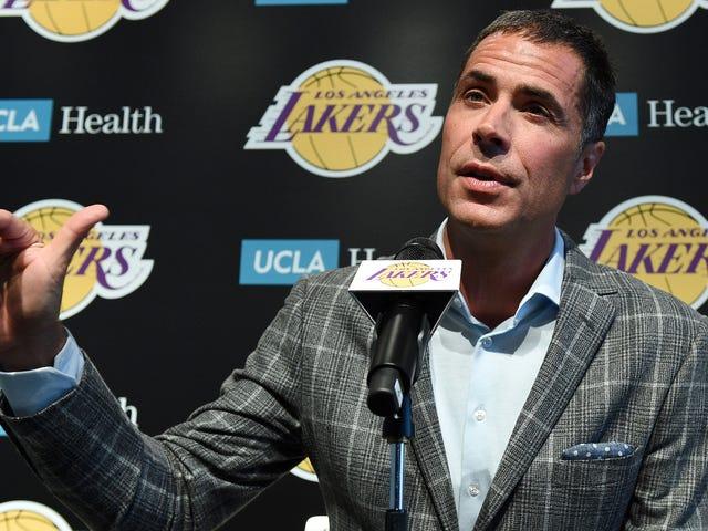 Lakers GM Rob Pelinka podobno uczy się, jak działa pensja w czasie rzeczywistym