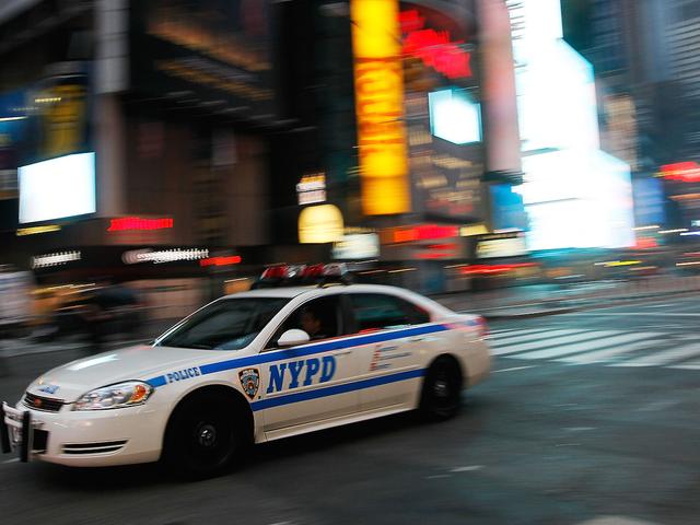 """""""骚扰法""""劝阻家庭暴力受害者呼唤警察"""