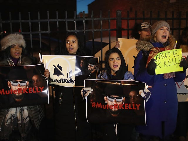 #MuteRKelly: NYC Rally Planned to Pressure RCA to Drop 'The Pied Piper of R&B' [Updated]