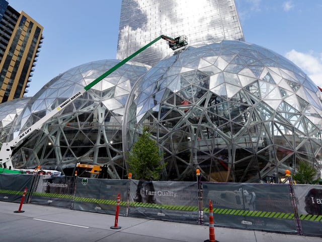 The 8 Cities Least Likely to Land Amazon's New Headquarters<em></em>