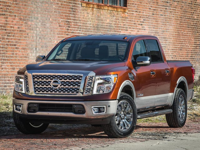 The 2017 Nissan Titan Crew Cab Is The Baby Titan With A Big V8