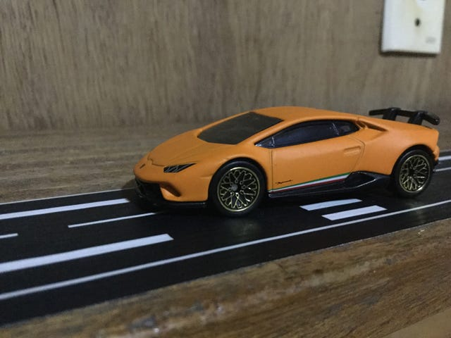 Hour Rule: The Perfect Fit: Lamborghini Huracan Performante
