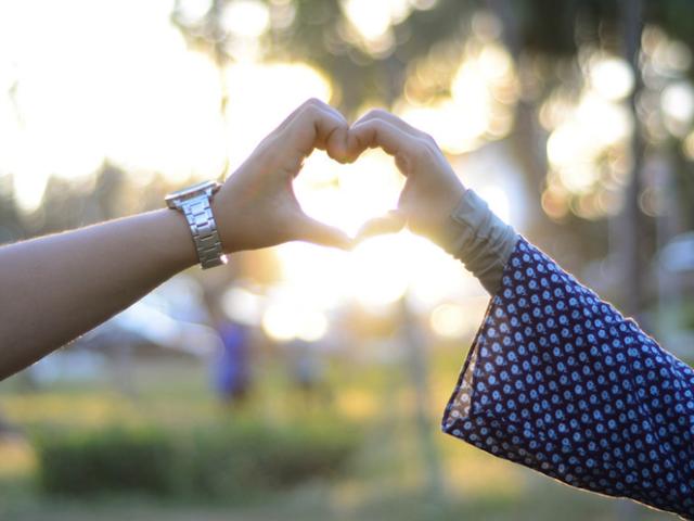 Mikä on suhteellinen dating käytetään dating site ottelu ystävä vihollinen