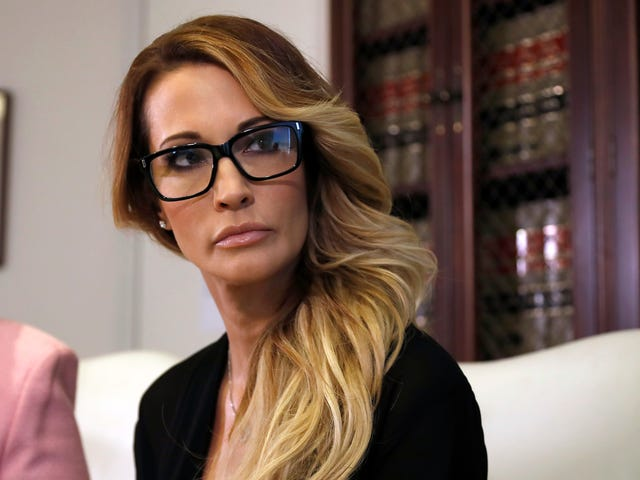 Adult Film Actress Jessica Drake Claims Donald Trump Offered $10,000 to Spend the Night With Her