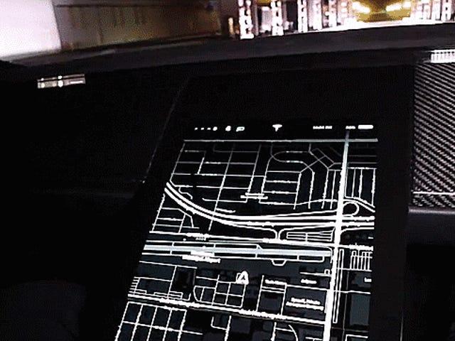 """Xem chế độ """"kẻ sọc"""" mới của Tesla Roadster Rocket Chiếc xe từ số không đến 81 MPH trong tức thì"""