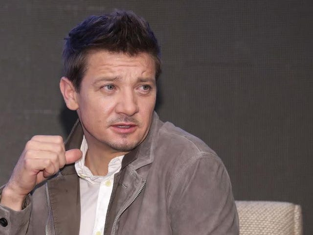 """Two """"amateur investigative journalists"""" made a 6-part podcast about Jeremy Renner's shitty app"""