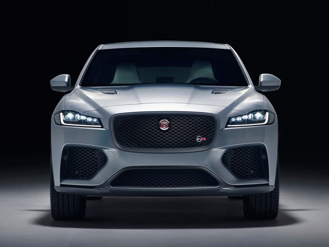 The Jaguar F-Pace SVR Is A 550 HP Luxurious Machine