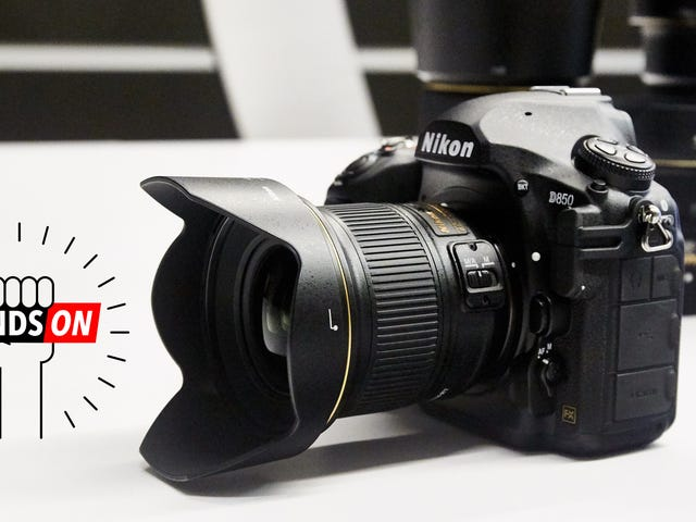 Nikon's D850 Is Stealing Some of the Mirrorless Camera's Best Features