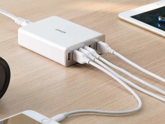 This $23 Charging Hub Includes Quick Charge 3.0, Which Is More Useful For iPhones Than You May Think