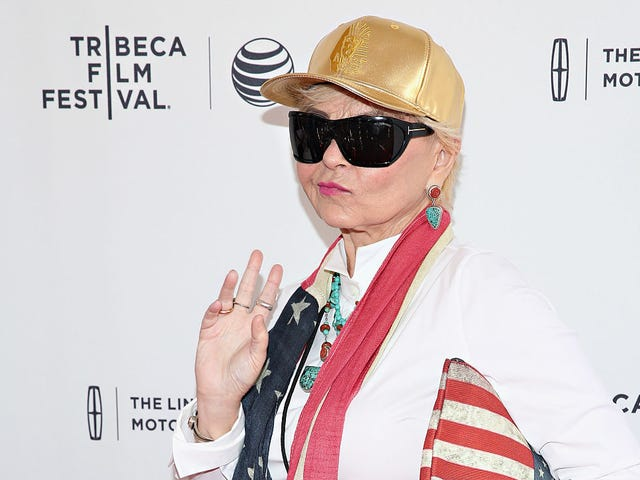 Roseanne Barr Says She Begged ABC to Let Her 'Make Amends'