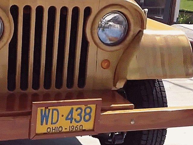 Holy Moly hier ist ein Jeep CJ-5 fast vollständig aus Holz