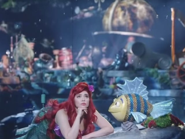 Look at The Little Mermaid Live!'s garbage-ass Flounder